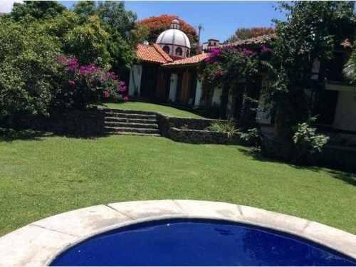 casa estilo mexicano en lomas de cocoyoc