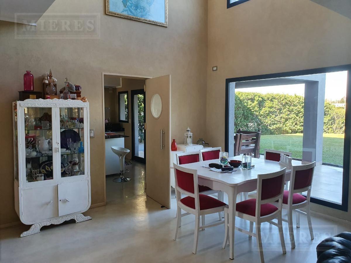 casa estilo moderno, en venta con renta - san agustin, villanueva