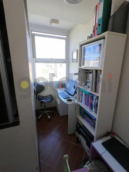 casa estilo racionalista con excelente orientación y luminosidad - nuevo quilmes