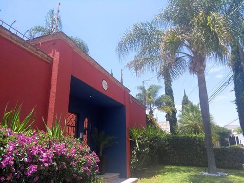 casa estilo rústico-mexicano en renta en juriquilla