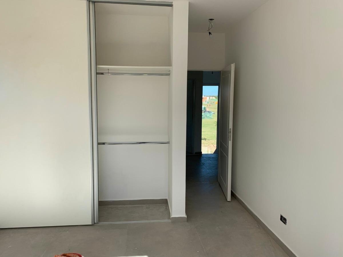 casa estilo toscana a estrenar en castaños, nordelta