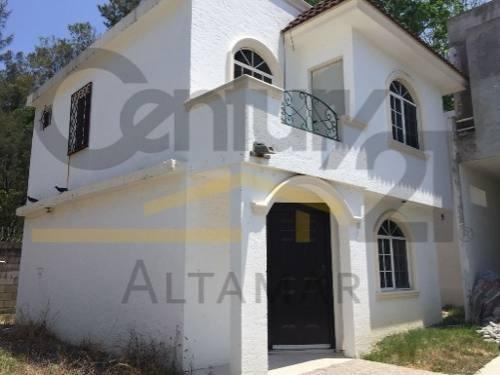 casa estilo tradicional en venta, fracc. tancol 33, tampico, tamps.