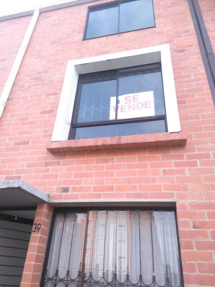 casa excelente en la tranquilidad de mosquera  3 pisos