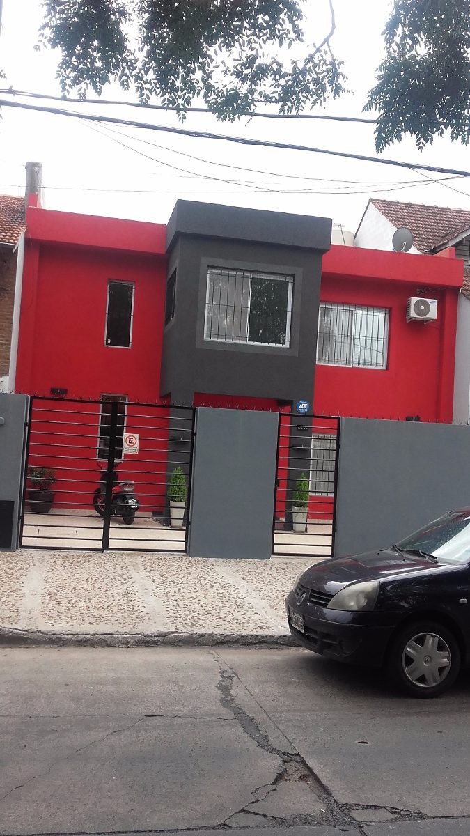 casa excelente! super moderna!