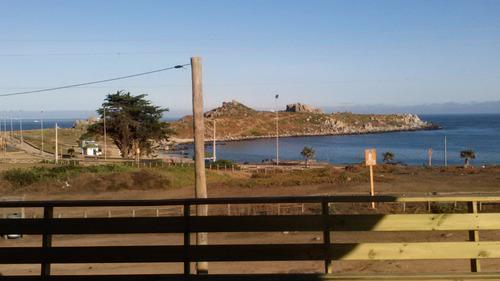 casa frente a la playa principal de punta de tralca