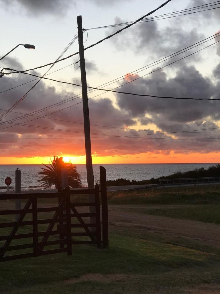 casa frente al mar, primera linea,los mejores atardeceres