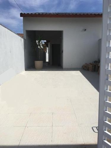 casa geminada, 1300 metros da praia,  ref. 0026 l c