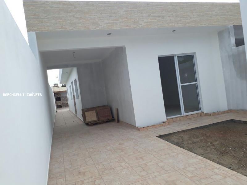 casa geminada a venda em itanhaém, balneário beatriz, 2 dormitórios, 1 suíte, 3 banheiros, 3 vagas - rb 0471