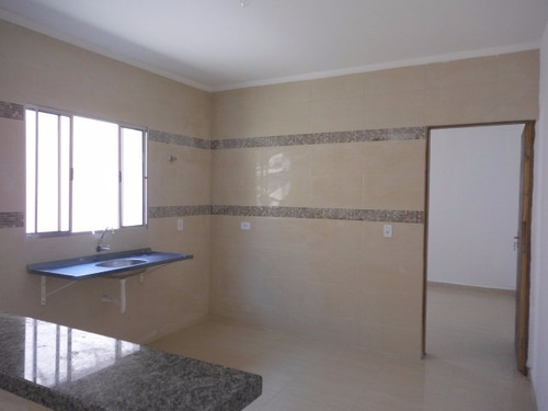 casa geminada com 2 quartos em mongaguá, confira!!!