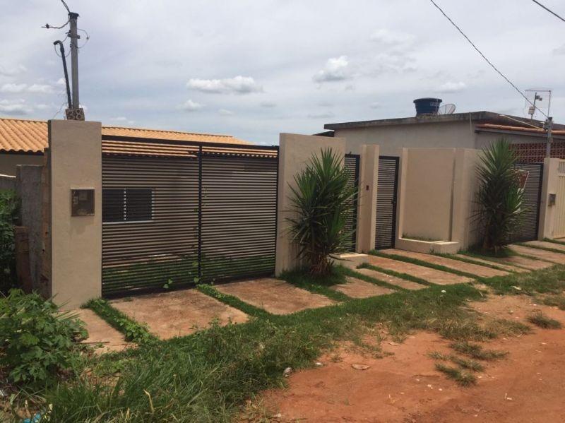 casa geminada com 2 quartos para comprar no centro em mateus leme/mg - 6657