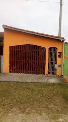 casa geminada com escritura 1 quarto 130m² perto da praia