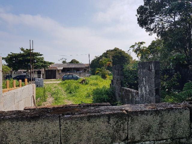 casa geminada em construção, em itanhaém, jd são pedro