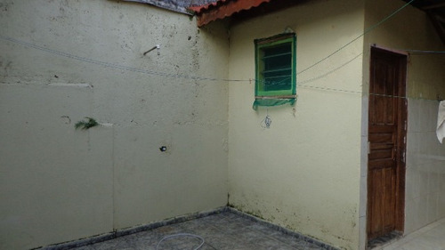casa geminada no bairro luizamar mirim, em itanhaém