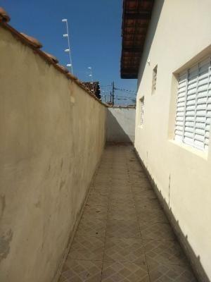 casa geminada no balneário tupy, em itanhaém.