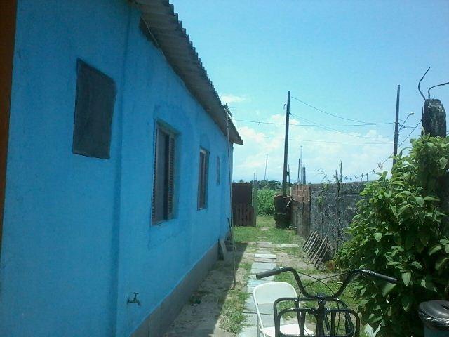 casa geminada no jardim jamaica, em itanhaém