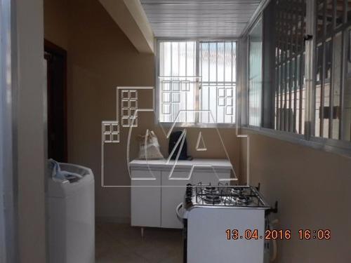casa geminada para comercio(ideal para consultório,laboratório,escritório ou residencia , próximo ao beatrix e boqueirão , posto de saúde , escolas , aceitra troca por apartamento de 2 dormitór