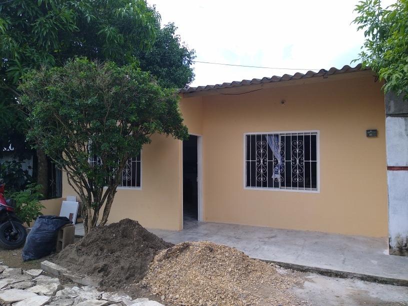 casa grande 3 cuartos,2 baños,2 salas,agua permanente