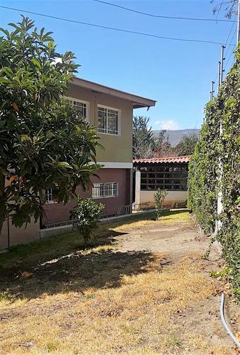 casa grande 7 dormitorios, 4 baños 1300 mts terreno 2 salas
