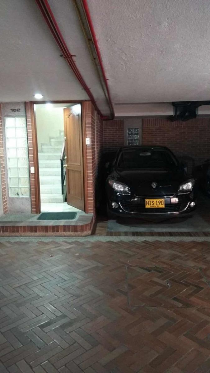 casa grande av127 con auronorte 2 estacionamientos y patio