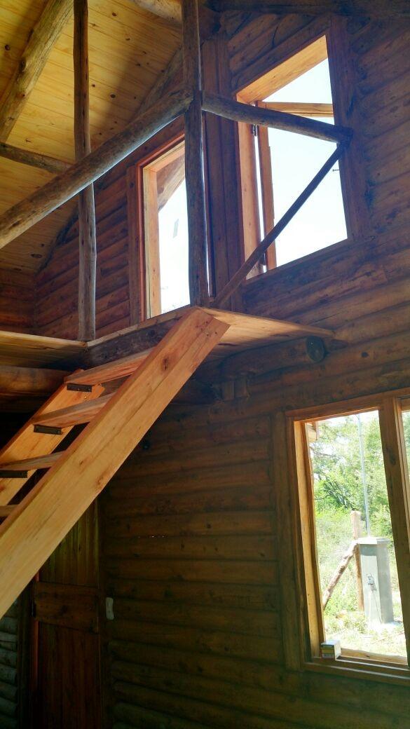 casa grande, cálida cabaña de troncos con vista