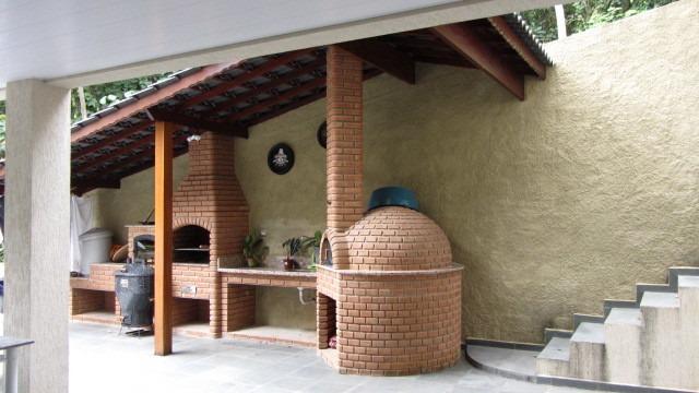 casa grande à venda 3 suítes churrasqueira forno lareira