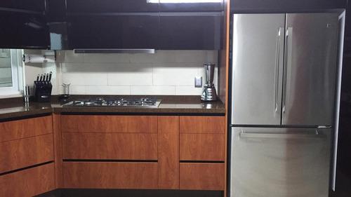 casa  habitación  4-recamaras, 6-baños,  4-estacionamientos