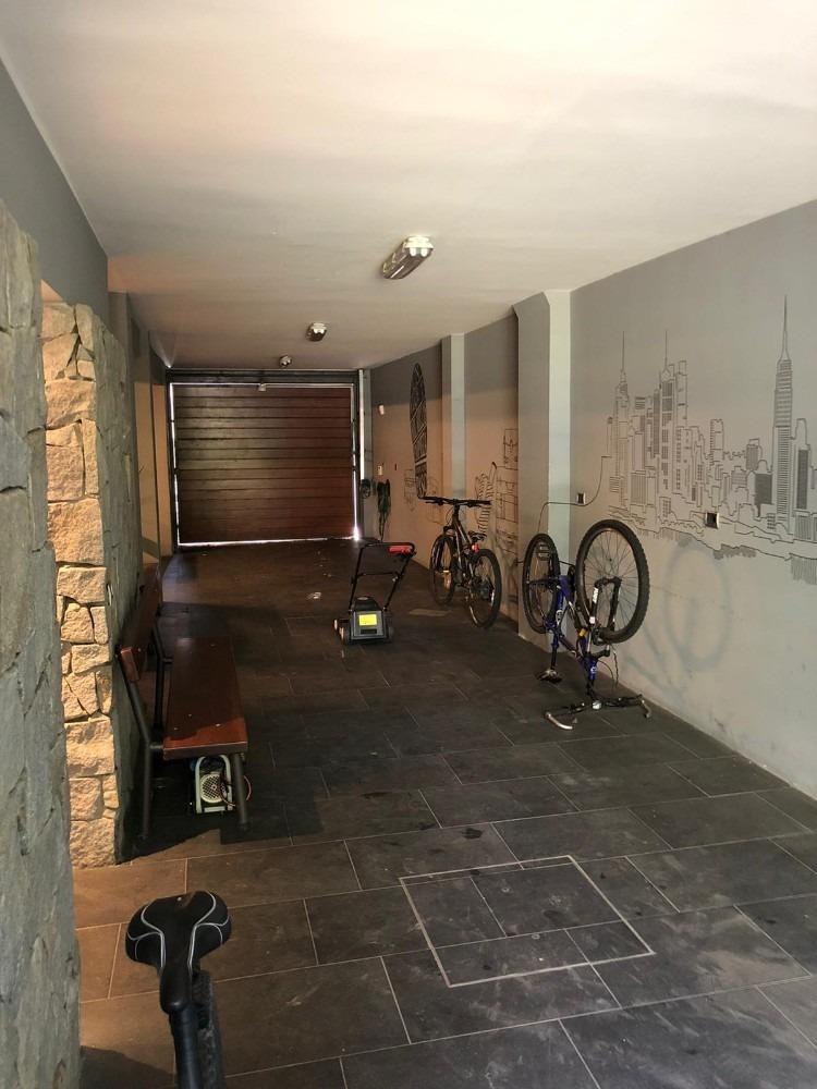 casa hermosa en venta 4 dormitorios, gran fondo, garaje