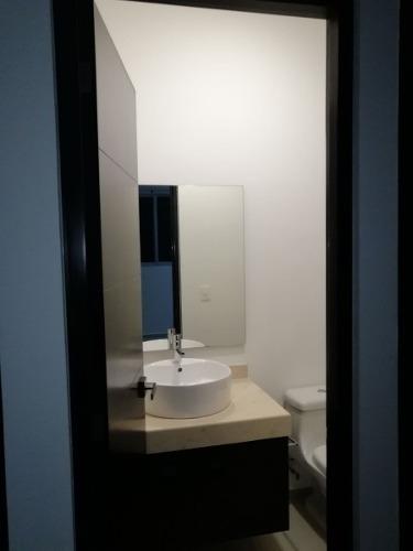 casa hermosa grande 4 recamaras, 3 baños y alberca