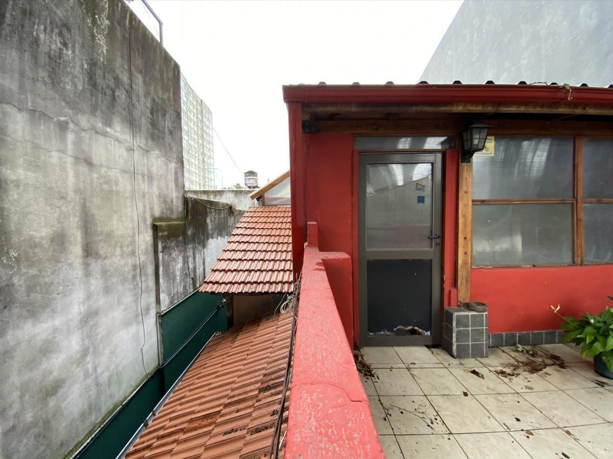 casa ideal 2 familias/ lote 8,66 x 26,5