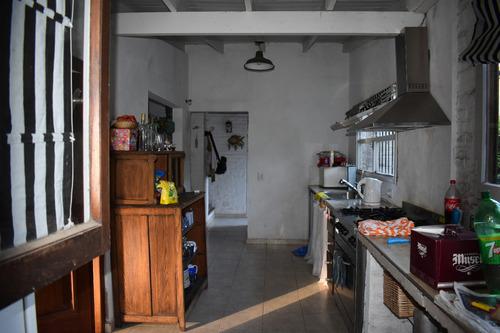 casa ideal 2 familias/4,5 6 dormitorios/parrilla cochera cub