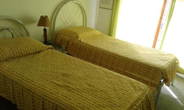 casa ideal para 6 personas a media cuadra de la playa