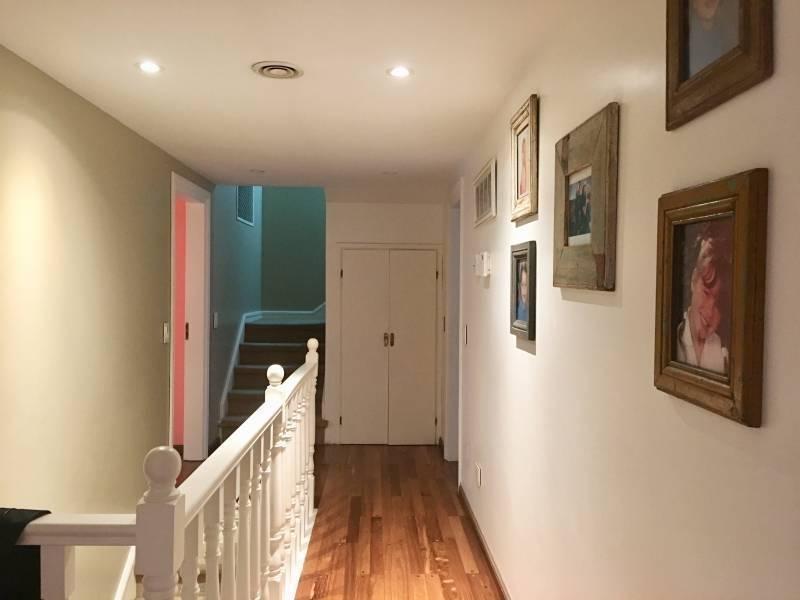 casa impecable en excelente ubicación en venta en san isidro av libertador hacia el río.