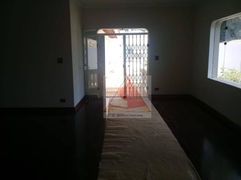 casa impecável na chácara monte alegre. 4 dorm, sendo 2 suites - lazer completo (piscina, sauna, salão de festas etc.) - so0094