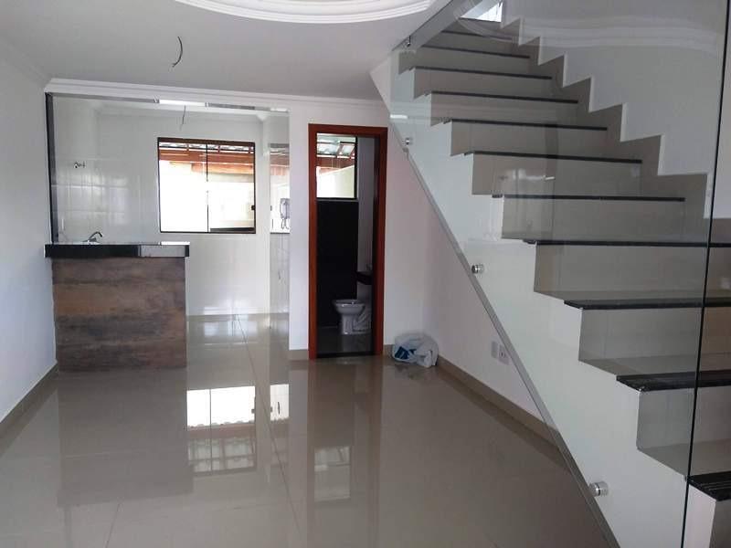 casa independente no bairro santa branca. 2 quartos 2 vagas com fino acabamento. - 2193