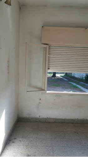 casa independiente!!  6 n°1750.