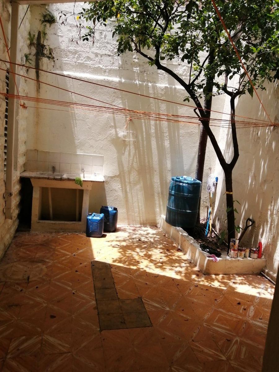 casa independiente de 2 habitaciones zona colonial patio