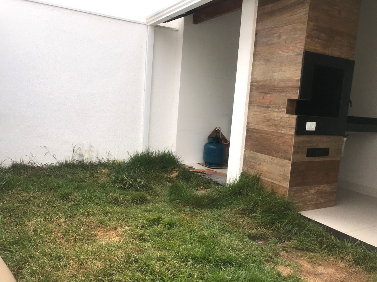 casa individual 3 quartos e 2 vagas no santa mônica. - 3929