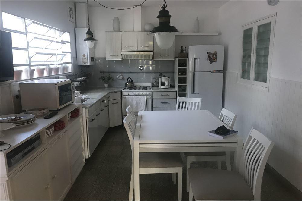 casa interna única / 2 dormitorios + comodín.