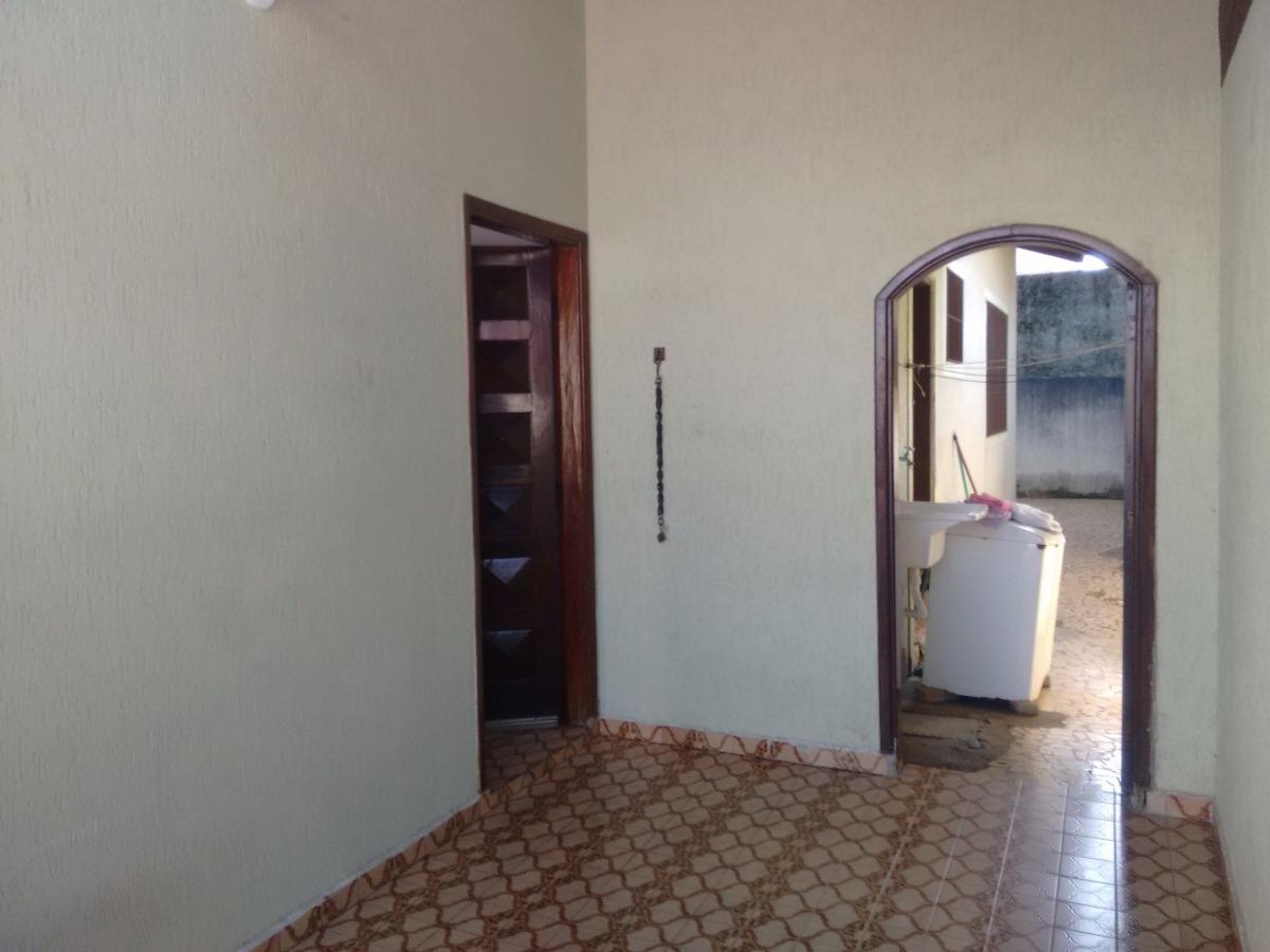 casa isolada 1 quarto, 3 gar, próx praia e mercd. r$ 175.mil