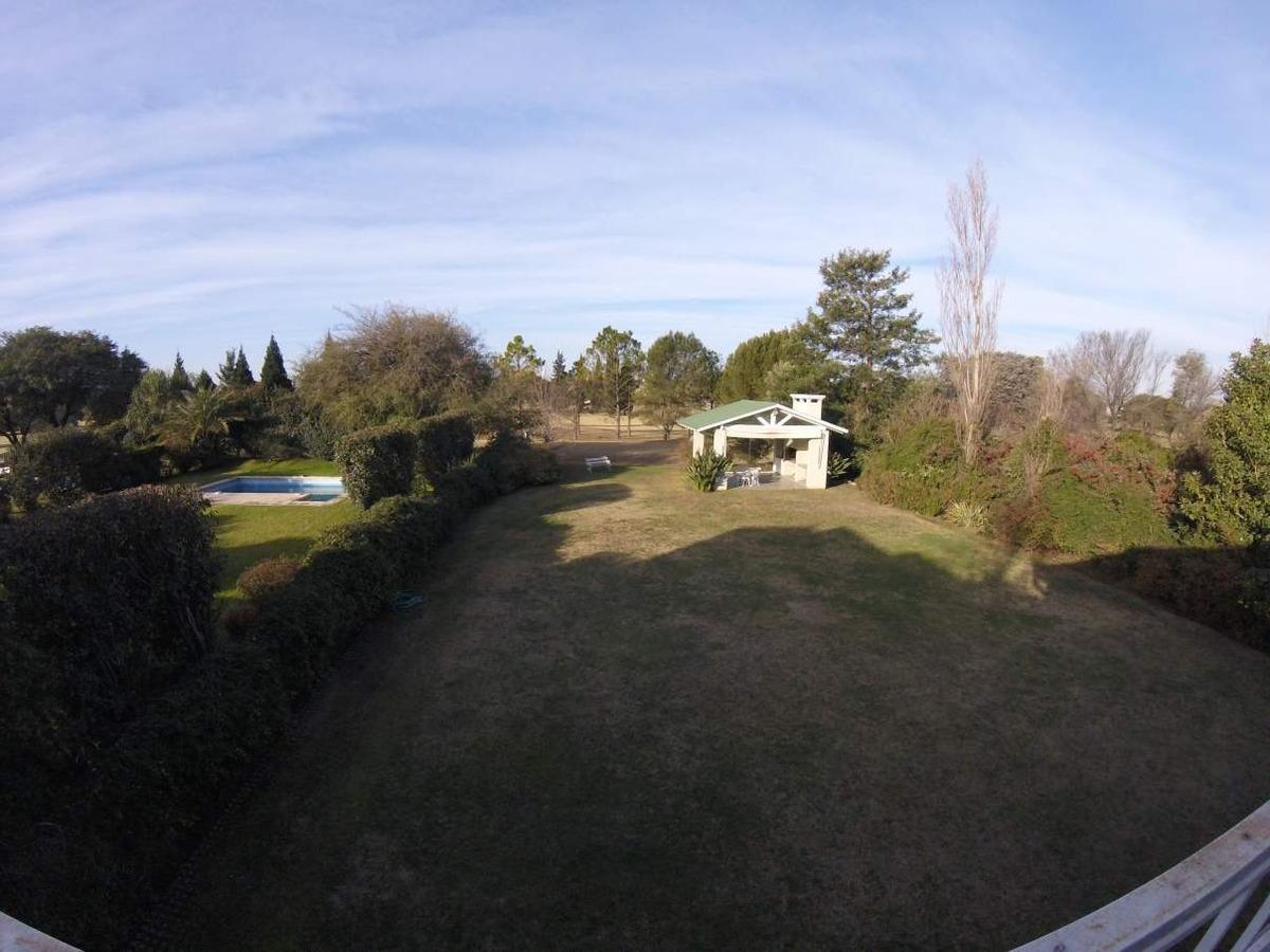 casa - jockey club - fondo golf - inmejorable ubicación