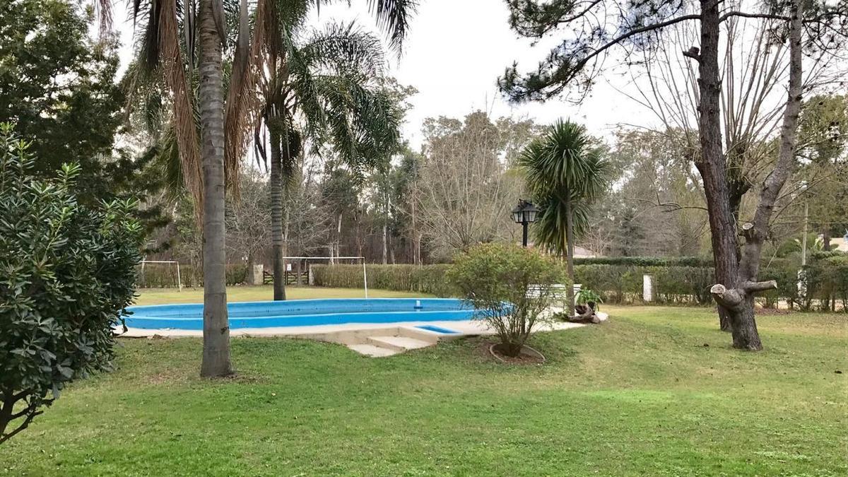casa la celia 3dorms 2ptas lote40x40 piscina quincho excel