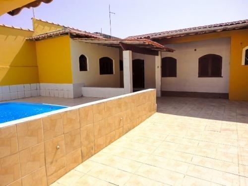 casa lado da praia com escritura, 2 quartos, piscina!