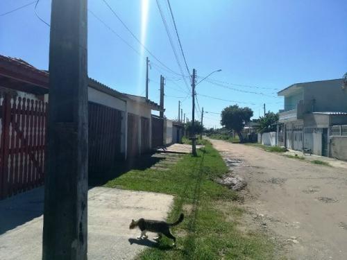 casa lado praia, 2 dormitórios, em itanhaém! ref: 4104