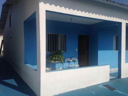 casa lado praia com 3 quartos, rua calçada, centro comercial