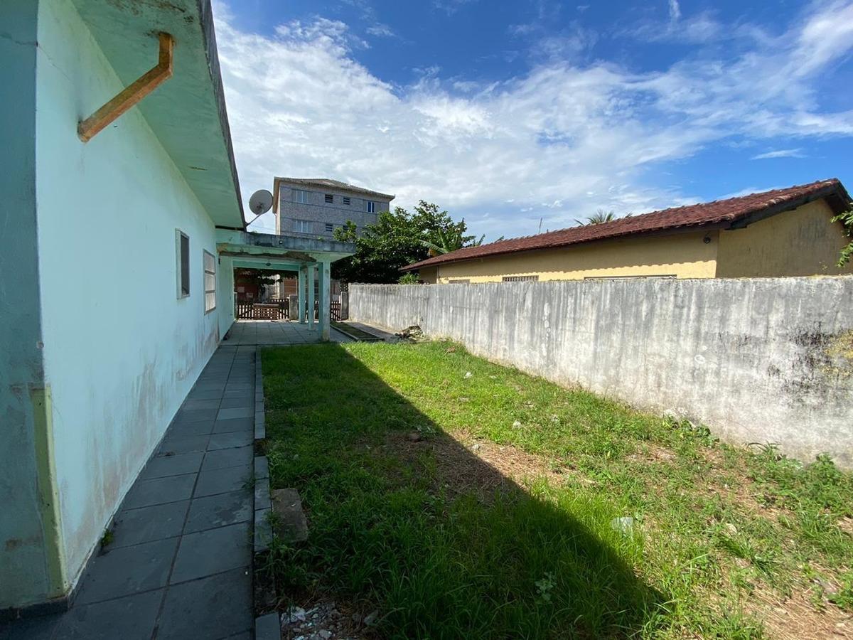casa lado praia com 3 quartos,2 suíte, vaga de garagem 831