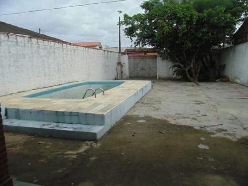 casa lado praia com piscina, 3 quartos, lote amplo, docs ok!