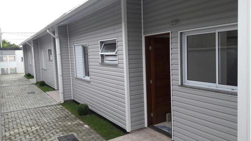 casa lado praia em condomínio, 2 quartos, financia direto.