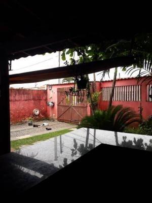 casa lado praia em itanhaém com 3 dormitórios