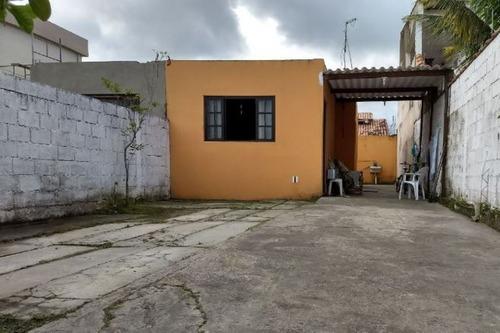 casa lado praia, rua calçada, ótimo bairro, com escritura!