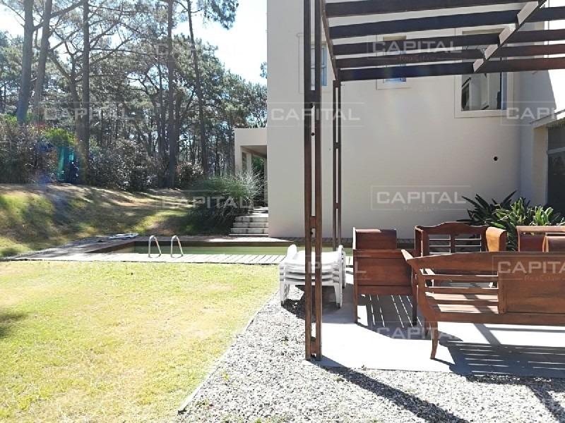 casa laguna blanca - montoya barrio privado cuatro dormitorios-ref:25379